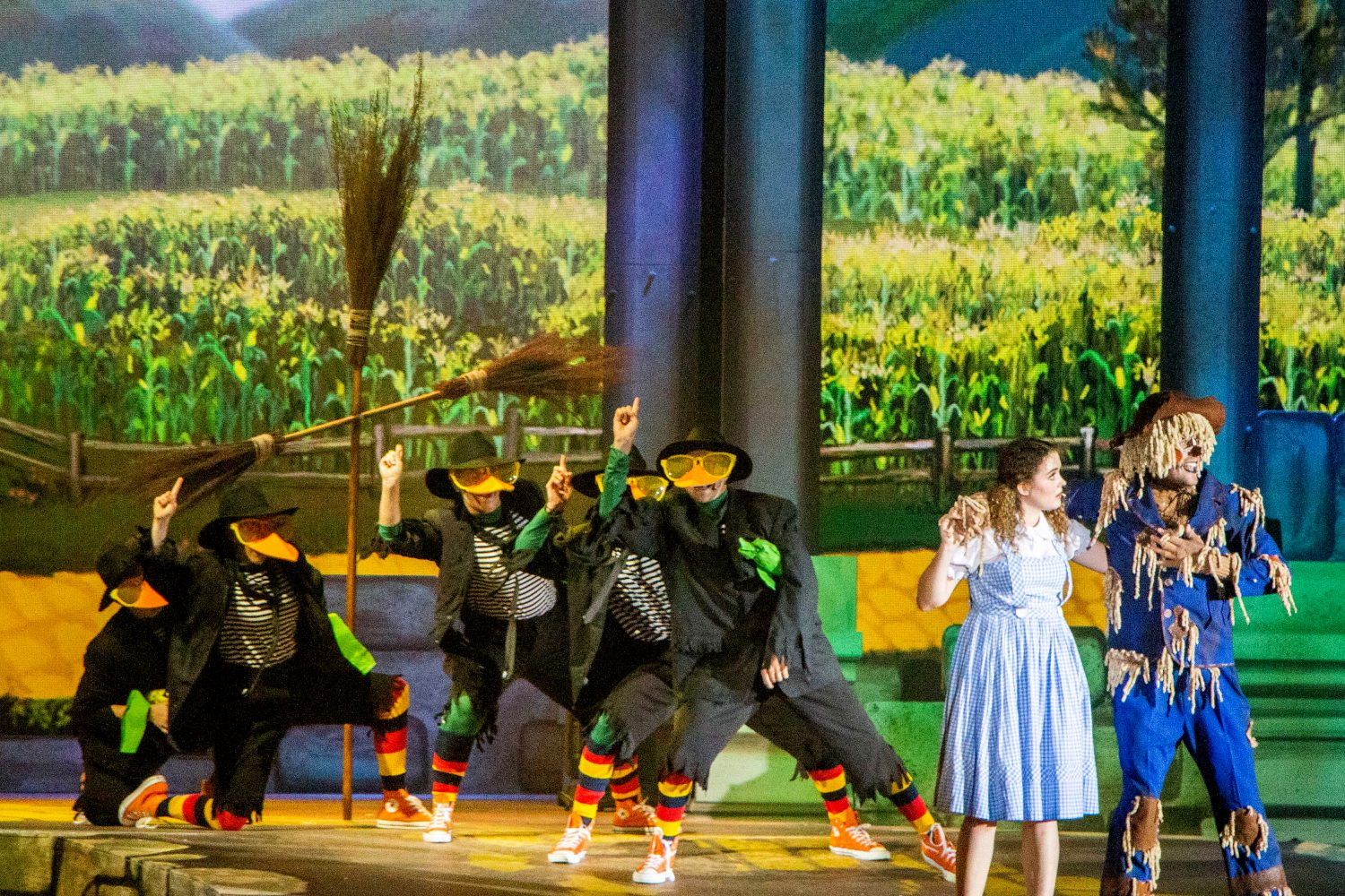 The Wizard of Oz: Arena Spectacular' // Harvest Rain Theatre